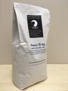 Farina di grano tenero macinata a pietra in confezione da 5 Kg